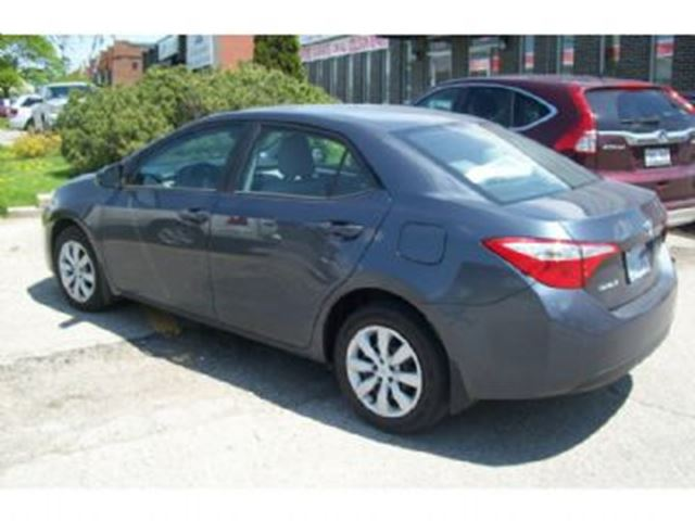 2015 toyota corolla 4dr sdn cvt le mississauga ontario used car for sale 2487458. Black Bedroom Furniture Sets. Home Design Ideas