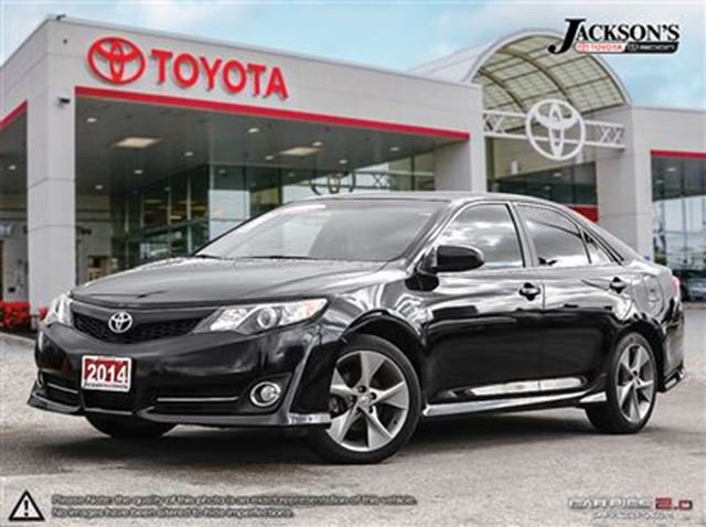 2014 toyota camry se package toyota certified black. Black Bedroom Furniture Sets. Home Design Ideas