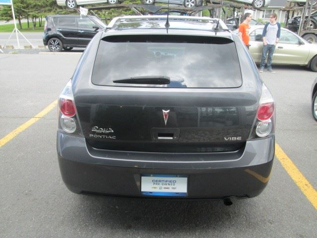 2010 pontiac vibe green valley ontario used car for sale 2489261. Black Bedroom Furniture Sets. Home Design Ideas