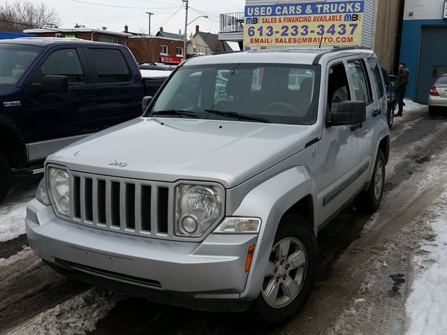 2011 jeep liberty sport 0 down 68 weekly ottawa ontario used car for sale 2490824. Black Bedroom Furniture Sets. Home Design Ideas