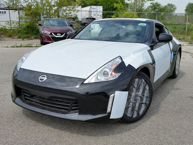 2017 Nissan 370Z Base in Toronto, Ontario