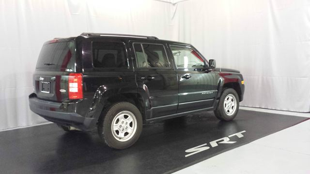 2015 jeep patriot 4x4 north chicoutimi quebec used car for sale 2494485. Black Bedroom Furniture Sets. Home Design Ideas