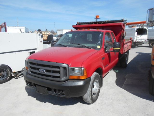 2001 ford f 350 super duty xl red north toronto auction. Black Bedroom Furniture Sets. Home Design Ideas
