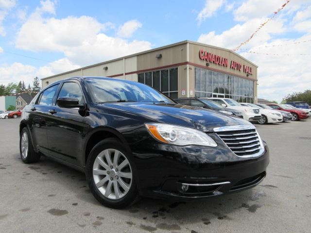 2012 chrysler 200 touring 3 6l v6 loaded 50k black. Black Bedroom Furniture Sets. Home Design Ideas