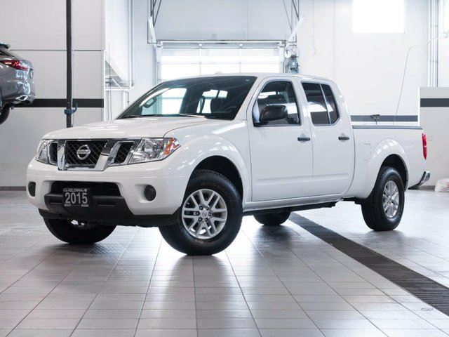 2015 nissan frontier sv crewcab 4wd white kelowna. Black Bedroom Furniture Sets. Home Design Ideas