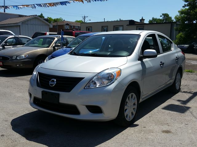 2012 nissan versa oshawa ontario used car for sale 2496678. Black Bedroom Furniture Sets. Home Design Ideas