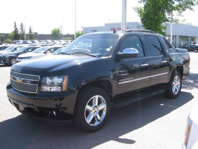 2013 chevrolet avalanche ltz okotoks alberta used car for sale 2504469. Black Bedroom Furniture Sets. Home Design Ideas