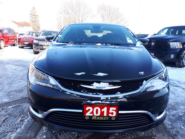 2015 chrysler 200 limited black manley motors limited for Manley motors used cars