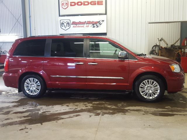 2013 chrysler town and country limited barrhead alberta. Black Bedroom Furniture Sets. Home Design Ideas