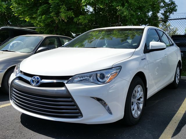 2016 toyota camry hybrid le white erin park toyota new car. Black Bedroom Furniture Sets. Home Design Ideas