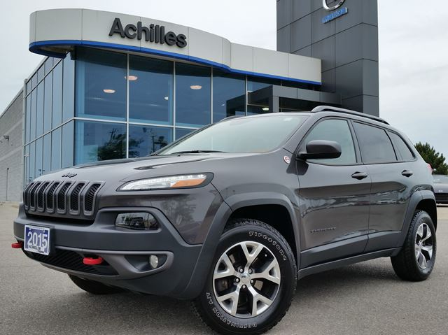 2015 Jeep Cherokee Trailhawk 4x4, Leather, Roof, Nav, Loaded in Milton, Ontario