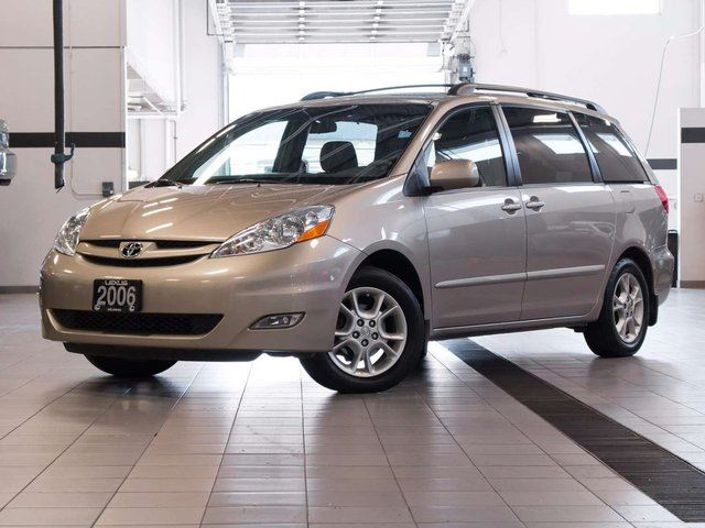 2006 toyota sienna xle gold auto loan kelowna. Black Bedroom Furniture Sets. Home Design Ideas