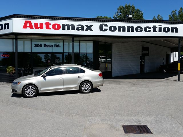 2012 VOLKSWAGEN Jetta Highline in Barrie, Ontario