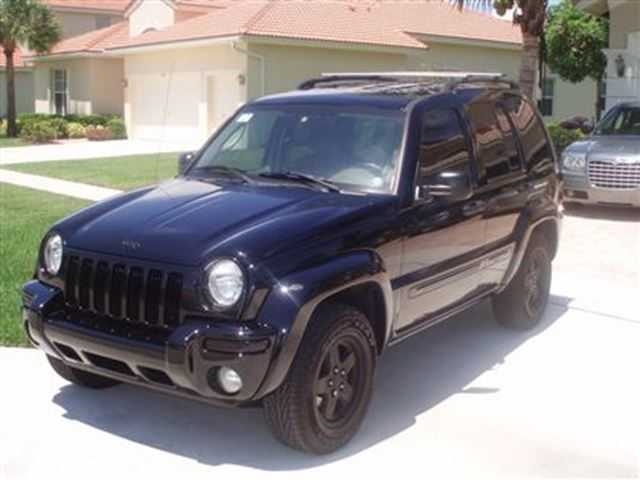 2004 jeep liberty automatic 4x4 black cristal2000 auto. Black Bedroom Furniture Sets. Home Design Ideas