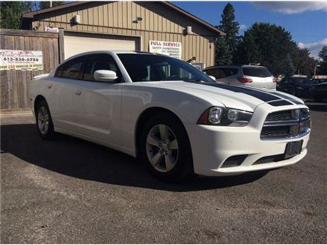2012 dodge charger sxt ottawa ontario used car for sale 2519608. Black Bedroom Furniture Sets. Home Design Ideas