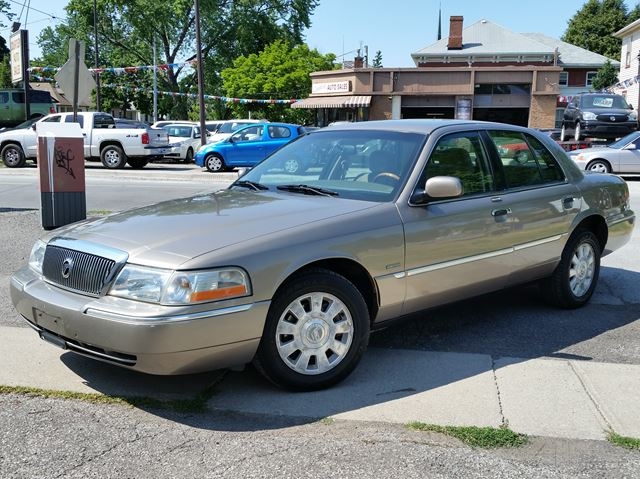 2003 MERCURY GRAND MARQUIS LSE in St Catharines, Ontario