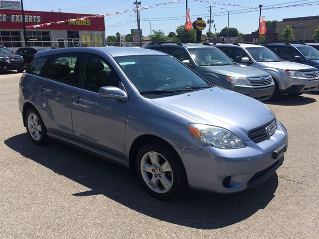 2008 toyota matrix xr low mileage no accident scarborough ontario car for sale 2522348. Black Bedroom Furniture Sets. Home Design Ideas
