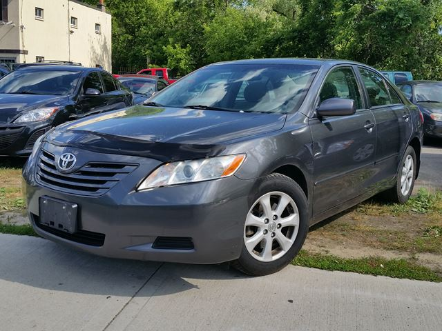 2007 toyota camry le sunroof dundas ontario car for sale 2522920. Black Bedroom Furniture Sets. Home Design Ideas