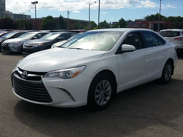 2015 toyota camry le 62 wk 2 5l i 4 white scarborough ontario car for. Black Bedroom Furniture Sets. Home Design Ideas