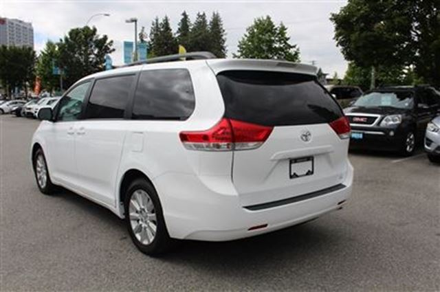2014 toyota sienna le awd surrey british columbia car for sale 2529881. Black Bedroom Furniture Sets. Home Design Ideas