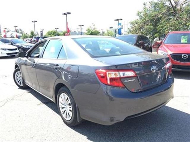 2012 toyota camry le mississauga ontario used car for sale 2532590. Black Bedroom Furniture Sets. Home Design Ideas