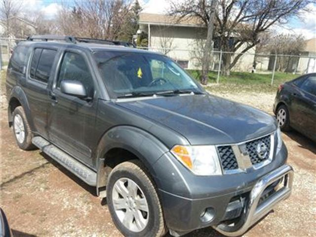 2007 nissan pathfinder le 7 seater suv call now silver. Black Bedroom Furniture Sets. Home Design Ideas