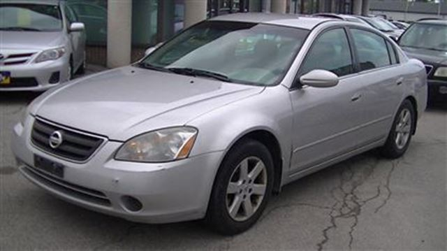 2003 nissan altima 2 5 s silver gorruds auto group. Black Bedroom Furniture Sets. Home Design Ideas