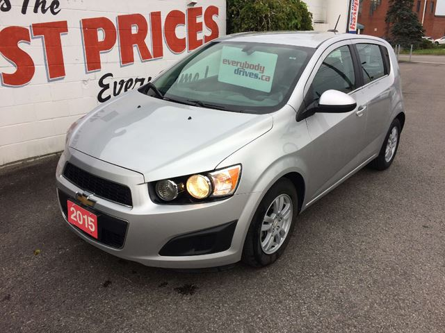 used 2015 chevrolet sonic lt auto back up camera heated seats bluetooth oshawa. Black Bedroom Furniture Sets. Home Design Ideas
