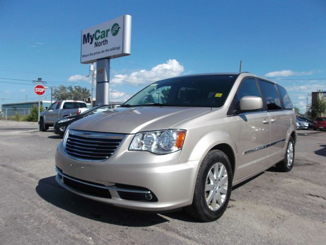 2016 chrysler town and country touring north bay ontario used car for sale 2543487. Black Bedroom Furniture Sets. Home Design Ideas