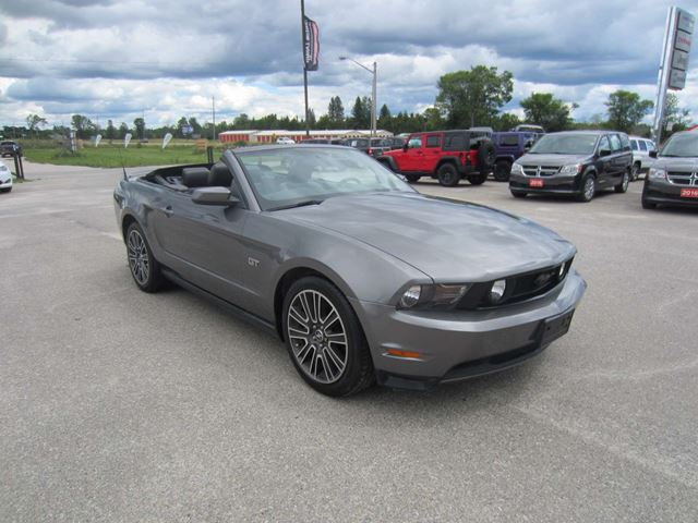 2010 ford mustang gt convertible perth ontario used car for sale 2545831. Black Bedroom Furniture Sets. Home Design Ideas