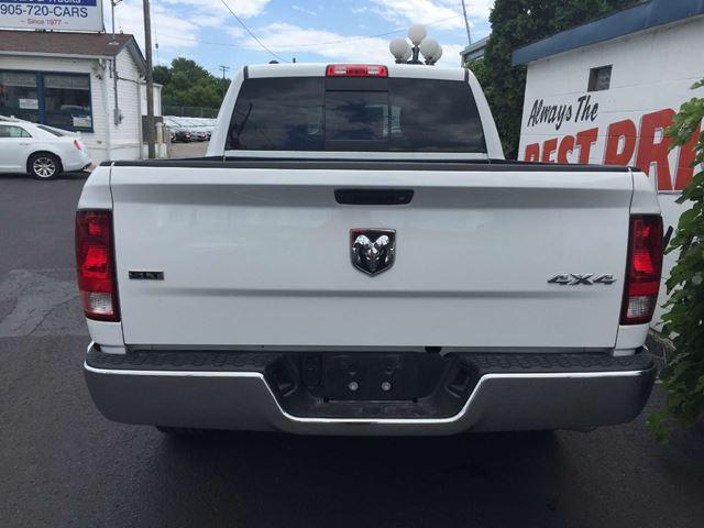 2016 dodge ram 1500 slt crew cab 5 7l hemi 4x4 oshawa ontario used car for sale 2546187. Black Bedroom Furniture Sets. Home Design Ideas