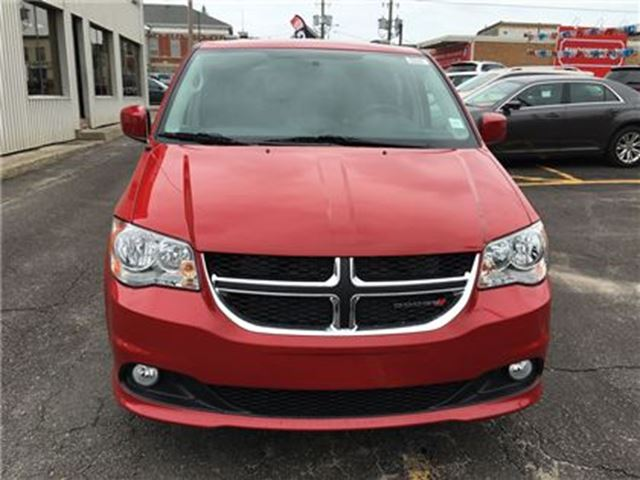 2016 dodge grand caravan crew brockville ontario used car for sale 2547096. Black Bedroom Furniture Sets. Home Design Ideas
