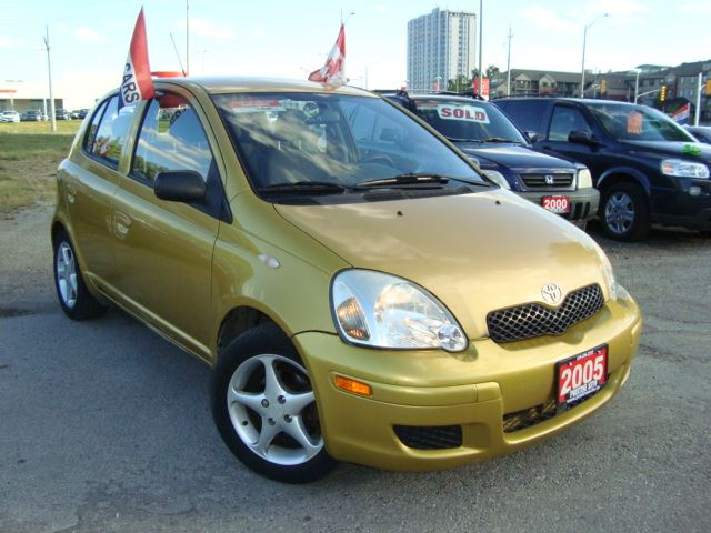 2005 toyota echo le hatch only 151km yellow pristine. Black Bedroom Furniture Sets. Home Design Ideas