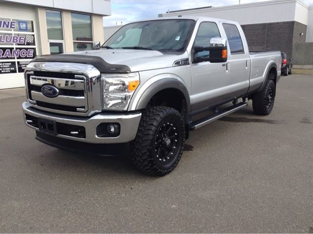 2014 FORD F-350 Lariat 4x4 SD Crew Cab 8 ft. box 172 in. WB SRW in Prince George, British Columbia