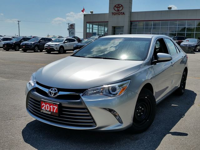 2017 toyota camry le silver race toyota new car. Black Bedroom Furniture Sets. Home Design Ideas