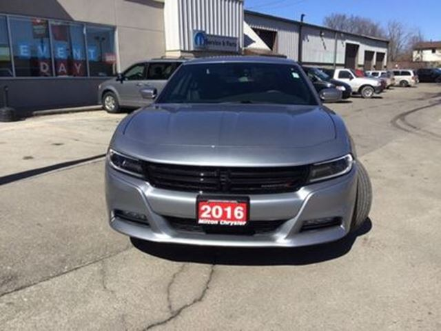 2016 dodge charger sxt 8 4 navigation sunroof remote start. Black Bedroom Furniture Sets. Home Design Ideas