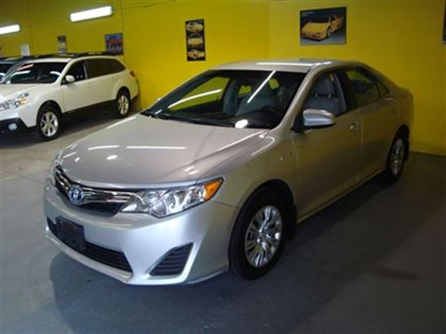 2012 toyota camry hybrid hybrid le accident free toronto ontario used car for sale. Black Bedroom Furniture Sets. Home Design Ideas