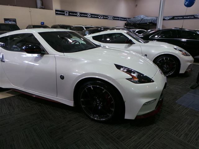 2016 nissan 370z nismo nismo navi pearl white vaughan. Black Bedroom Furniture Sets. Home Design Ideas