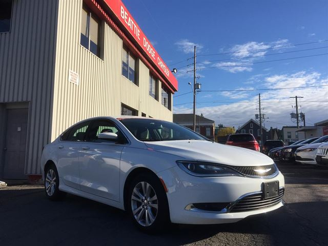 2016 CHRYSLER 200 Limited HEATED SEATS/ BLUETOOTH in Brockville, Ontario