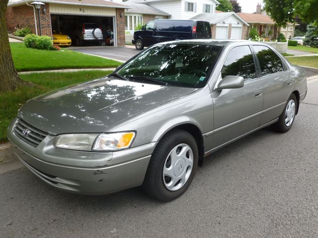 1997 toyota camry xle brown lawrence auto sales. Black Bedroom Furniture Sets. Home Design Ideas