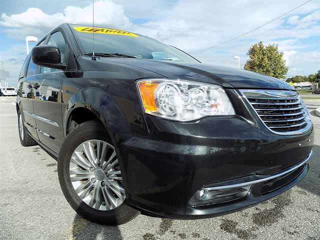 2016 chrysler town country touring l touring pwr doors rear air lthr black new roads gm. Black Bedroom Furniture Sets. Home Design Ideas