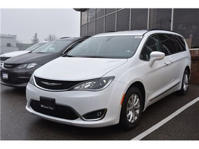 2017 Chrysler Pacifica Touring-L in Concord, Ontario
