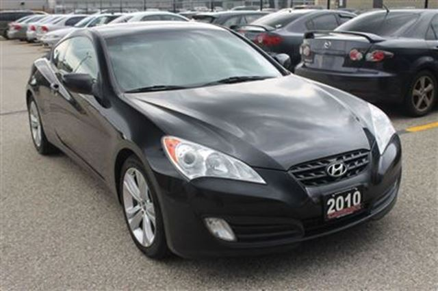 2010 hyundai genesis 2 0t premium sunroof leather kitchener ontario used car for sale 2567713. Black Bedroom Furniture Sets. Home Design Ideas