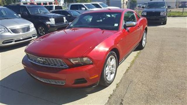2010 ford mustang v6 affordable performance call today. Black Bedroom Furniture Sets. Home Design Ideas