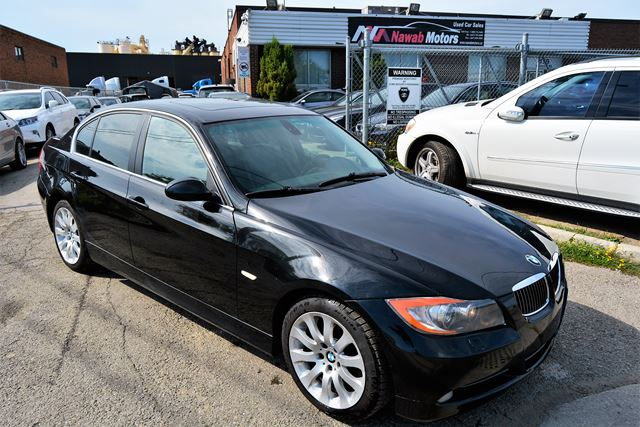 2006 bmw 3 series 330xi leather sunroof brampton ontario used car for sale 2574386. Black Bedroom Furniture Sets. Home Design Ideas