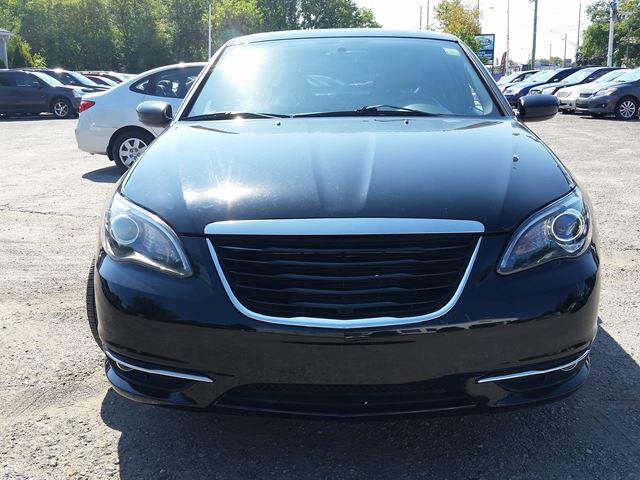 2013 chrysler 200 s oshawa ontario car for sale 2575581. Black Bedroom Furniture Sets. Home Design Ideas