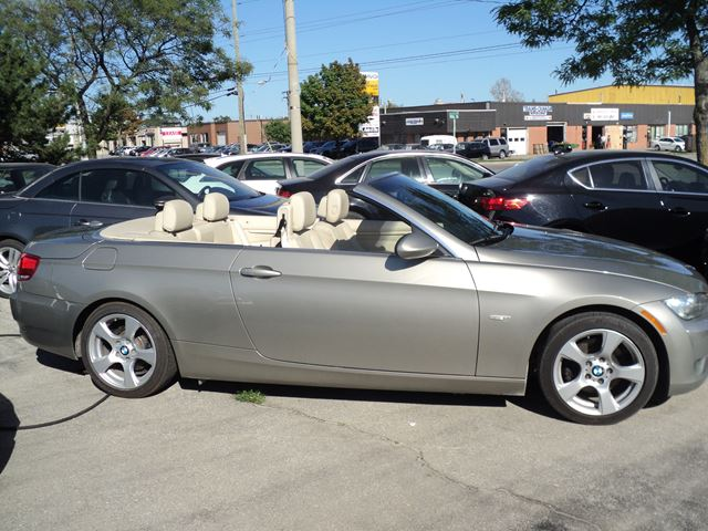2009 bmw 3 series 328i convertible oakville ontario car. Black Bedroom Furniture Sets. Home Design Ideas