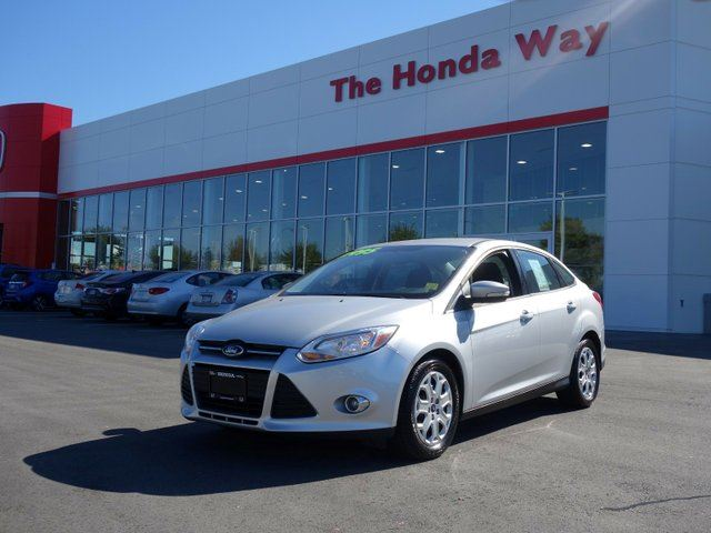 2012 FORD Focus SE Sedan- AFFORDABLE! in Abbotsford, British Columbia