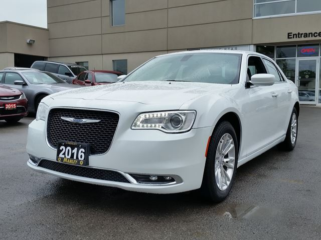 2016 chrysler 300 touring white manley motors limited for Manley motors used cars