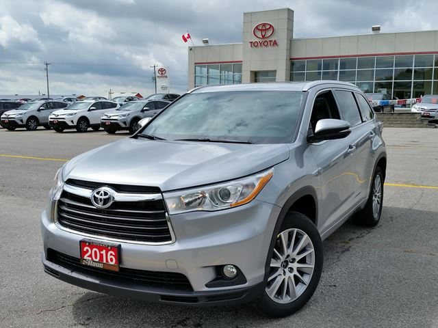 2016 toyota highlander xle lindsay ontario new car for sale 2582968. Black Bedroom Furniture Sets. Home Design Ideas